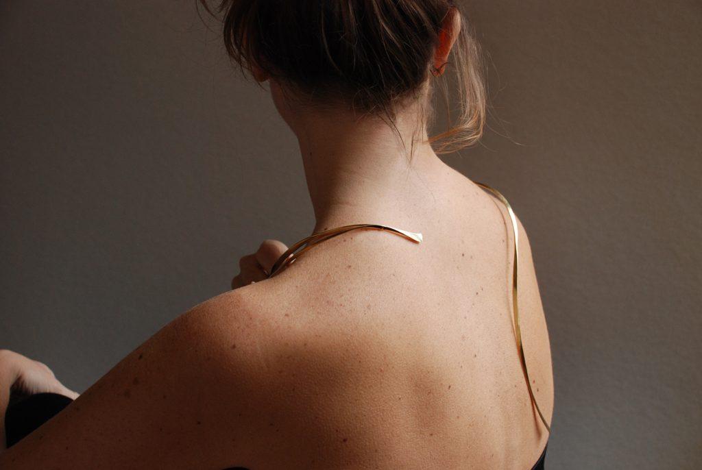 Con Brio neckpiece, bronze, back view